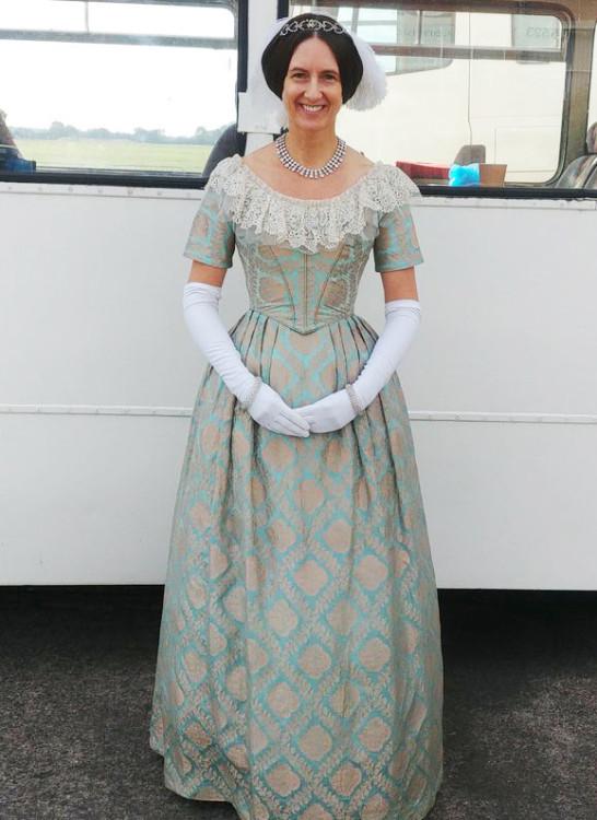 Corset wearing tips - summer Victoria costume